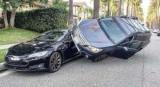 Акробат на Subaru Outback зрелищно припарковался на Tesla Model S